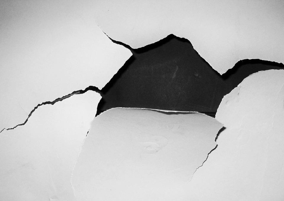 Wallpaper-Crack-Hole-White-Black-And-White-Wall-1243311.jpg
